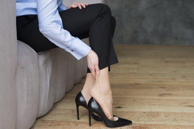 mengatasi telapak kaki kasar-3.jpg