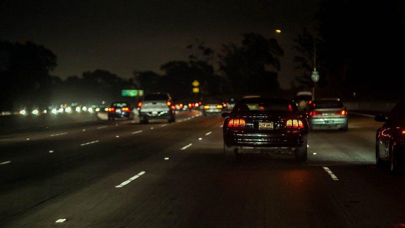 menyetir di malam hari.jpg