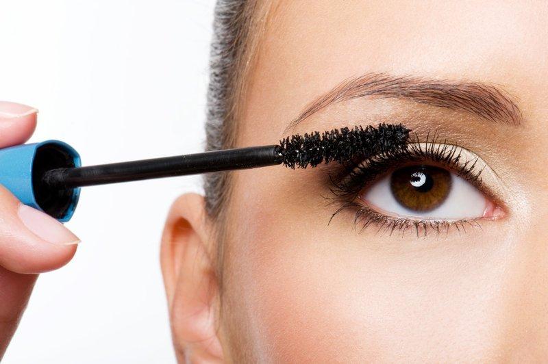 gunakan makeup yang tepat