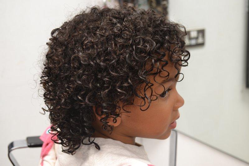 Potong Rambut Keriting