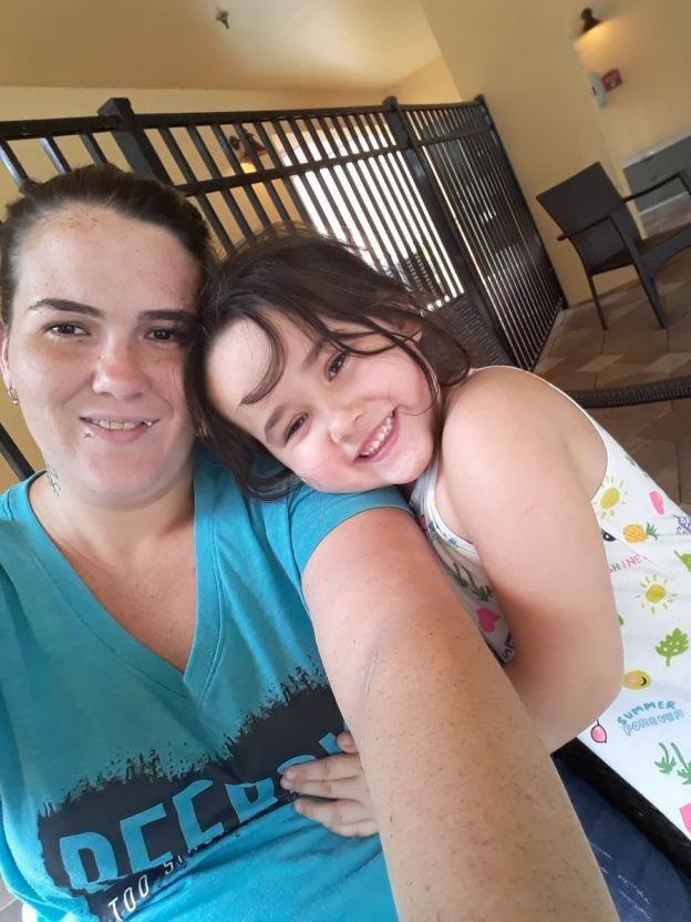 mesha dan ibu