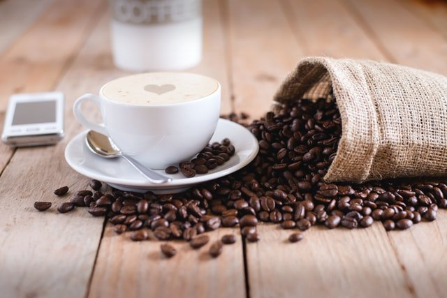 Kafein berlebih dapat berdampak negatif