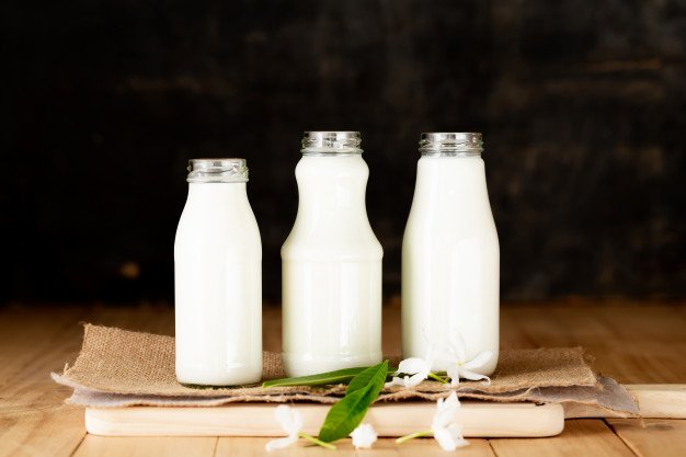 milk-healthy-dairy-products-table_1150-17635.jpg