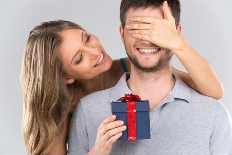 mitos hadiah yang bikin langgeng.jpg