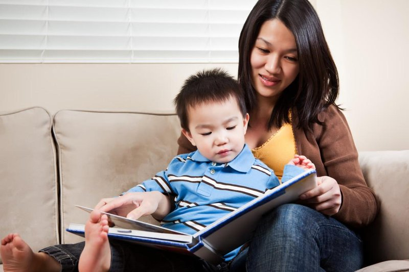 mom child reading e1435036796796