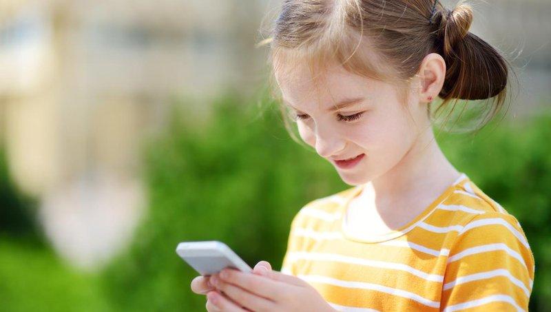 moms, ayo mulai mengajarkan keamanan berinternet pada anak 4