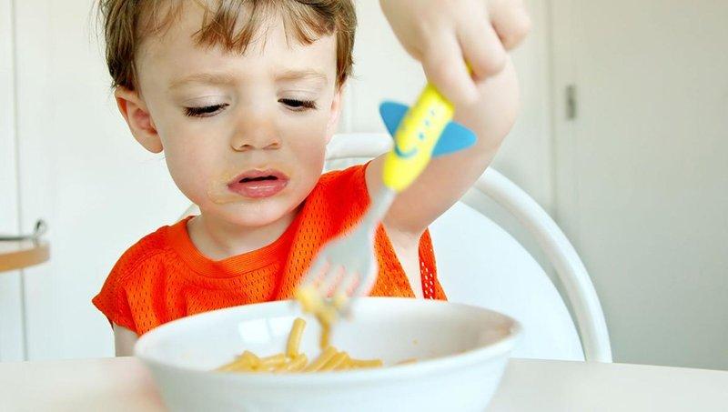 moms, hindari 5 kesalahan dalam memberi makan balita ini 3