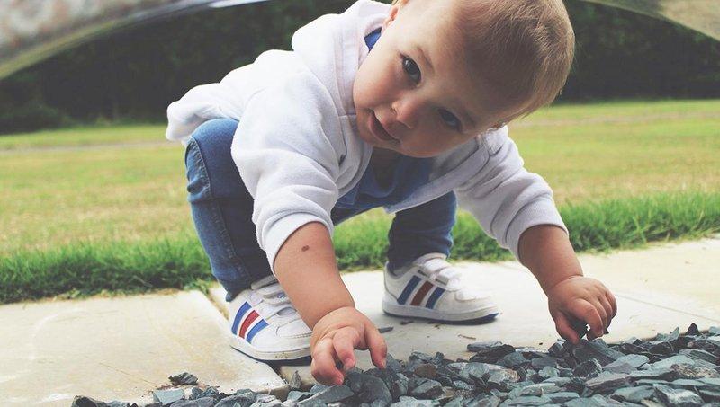 tips membeli sepatu bayi