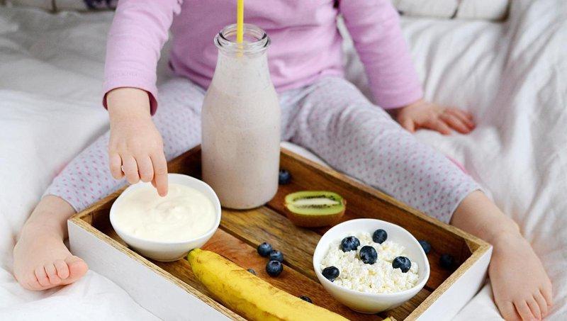 moms, hindari makanan dan minuman merusak gigi balita ini 6