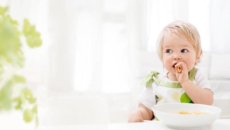 moms, hindari makanan dan minuman merusak gigi balita ini 5
