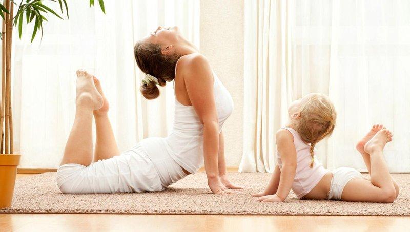 moms, ini 5 manfaat yoga untuk balita 1