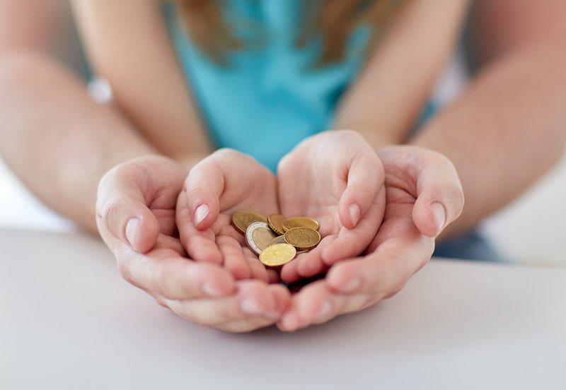 mengajarkan anak nilai uang