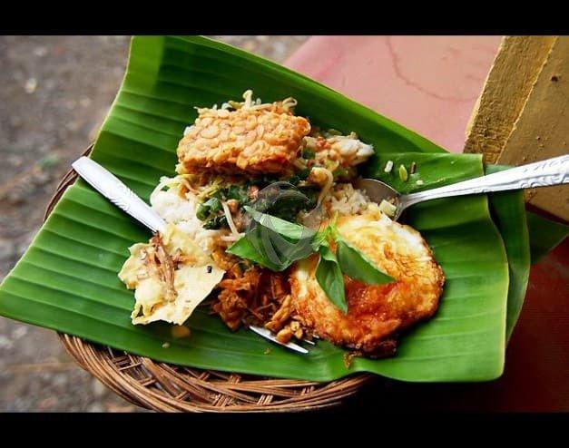 Nasi pecel Makanan khas Madiun