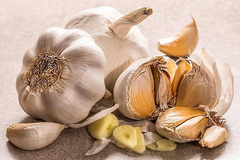 obat gatal alami untuk selangkangan - bawang putih.jpg