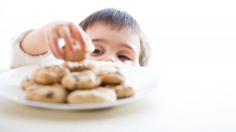 kesalahan makan yang menyebabkan anak gemuk, obesitas pada anak, kelebihan berat badan