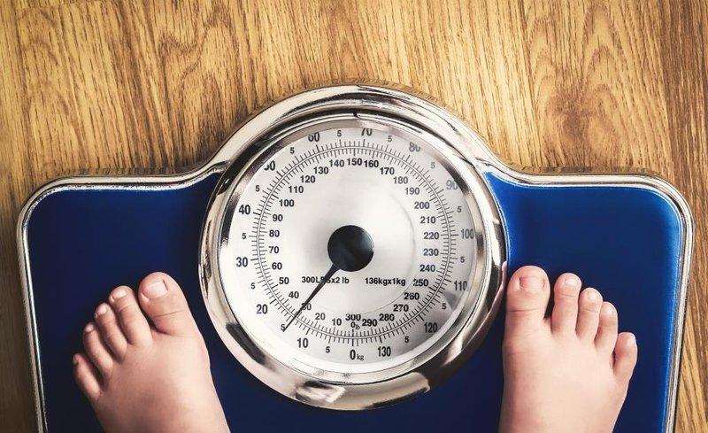 dampak buruk makan keripik kentang-berat badan naik