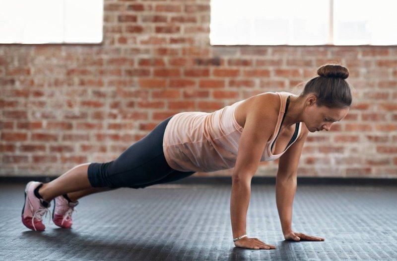 olahraga di rumah-push up.jpg