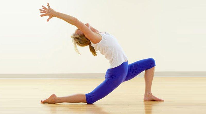 gerakan yoga untuk mengencangkan paha