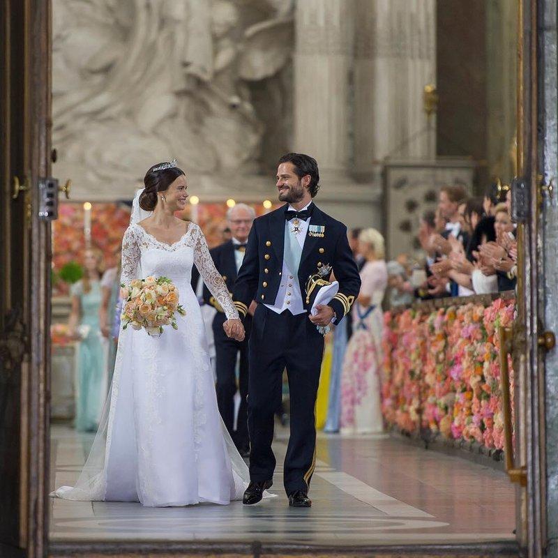 Mirip Cerita Dongeng, 8 Anggota Kerajaan Ini Menikah