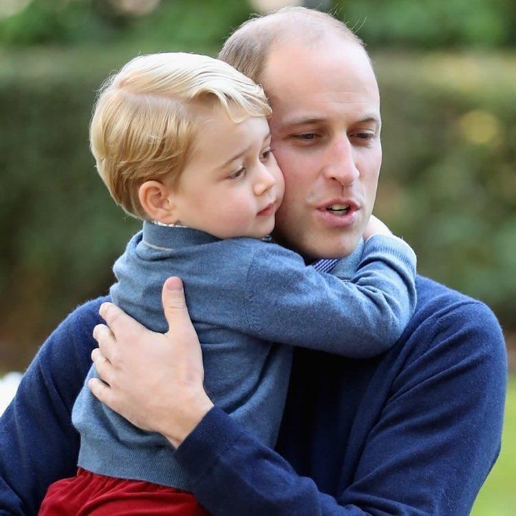 pangeran william george menggendong