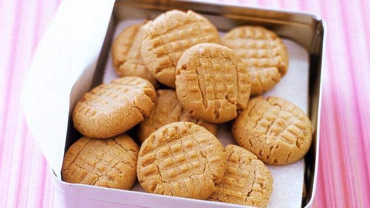 peanut butter cookies a100600 horiz