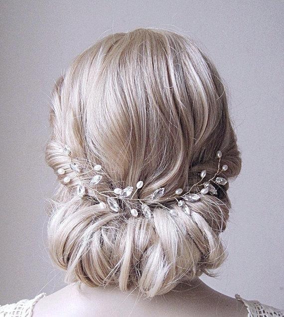 pearl blonde sumber etsy.com