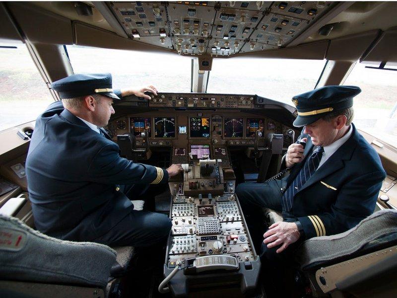 pekerjaan dengan tingkat stres tinggi-pilot.jpg