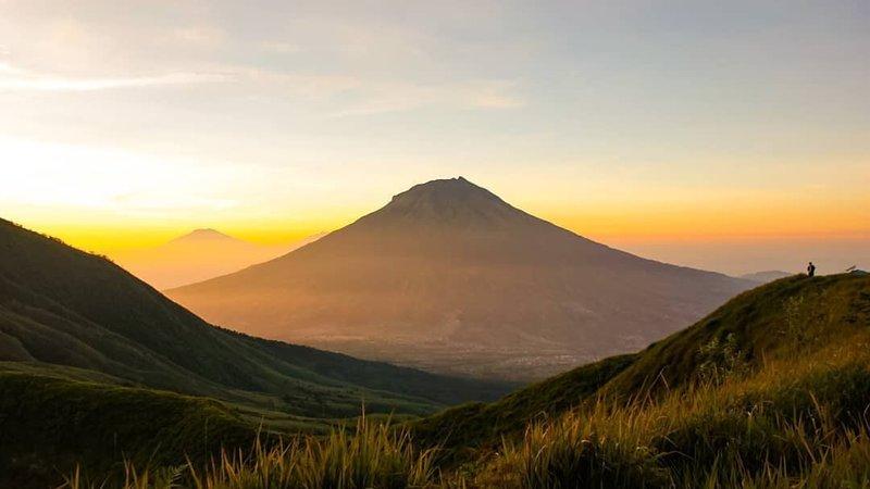 pemandangan gunung kembang.jpg