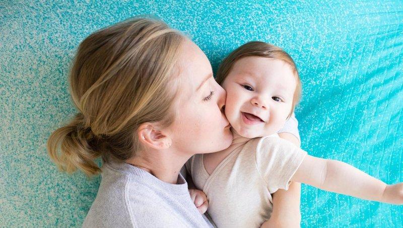 pengaruh sentuhan penuh kasih sayang bagi perkembangan balita 1