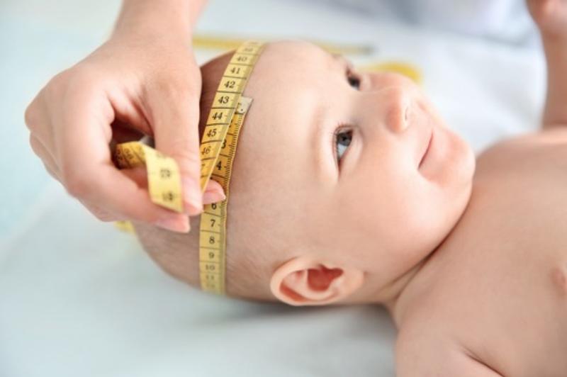pentingnya mengukur lingkar kepala bayi sesuai usianya 1