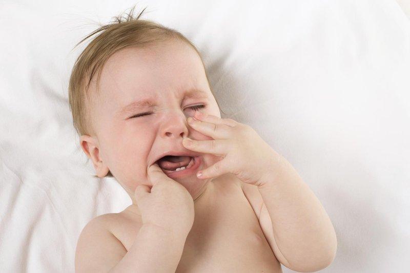 perhatikan 5 tanda bayi yang mau tumbuh gigi 6
