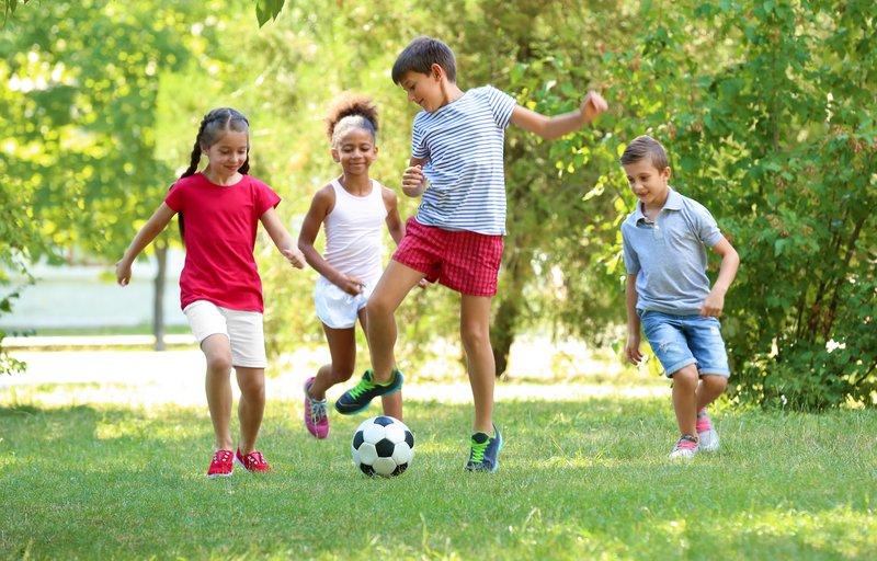 mendukung perkembangan anak