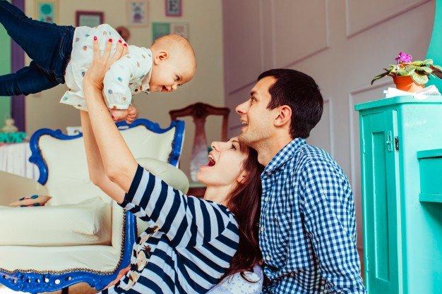 perkembangan bayi hingga 1 tahun