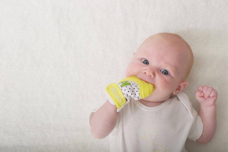 perkembangan bayi prematur usia 2 3 bulan 4
