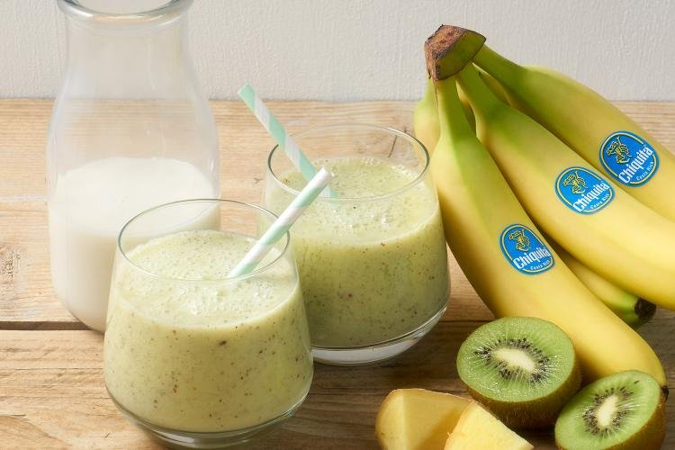ph03 banana kiwi and ginger smoothie 3 m@2x.jpg