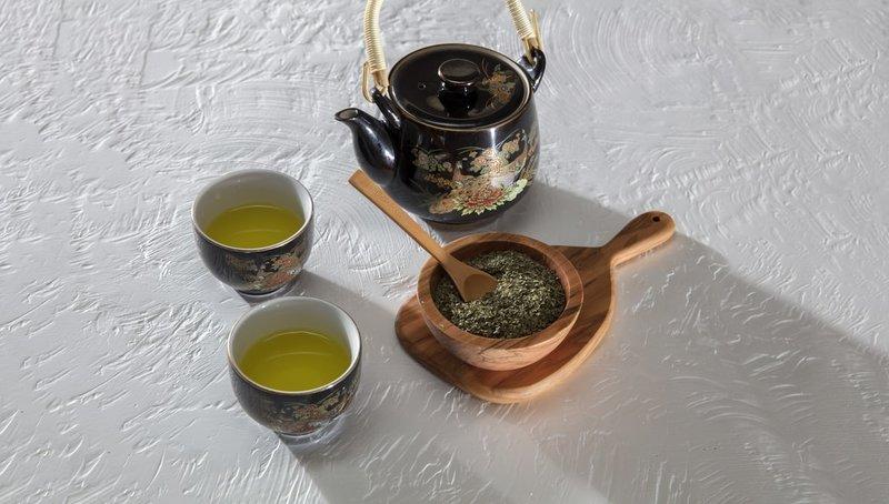 Minum teh hijau membantu mengecilkan perut
