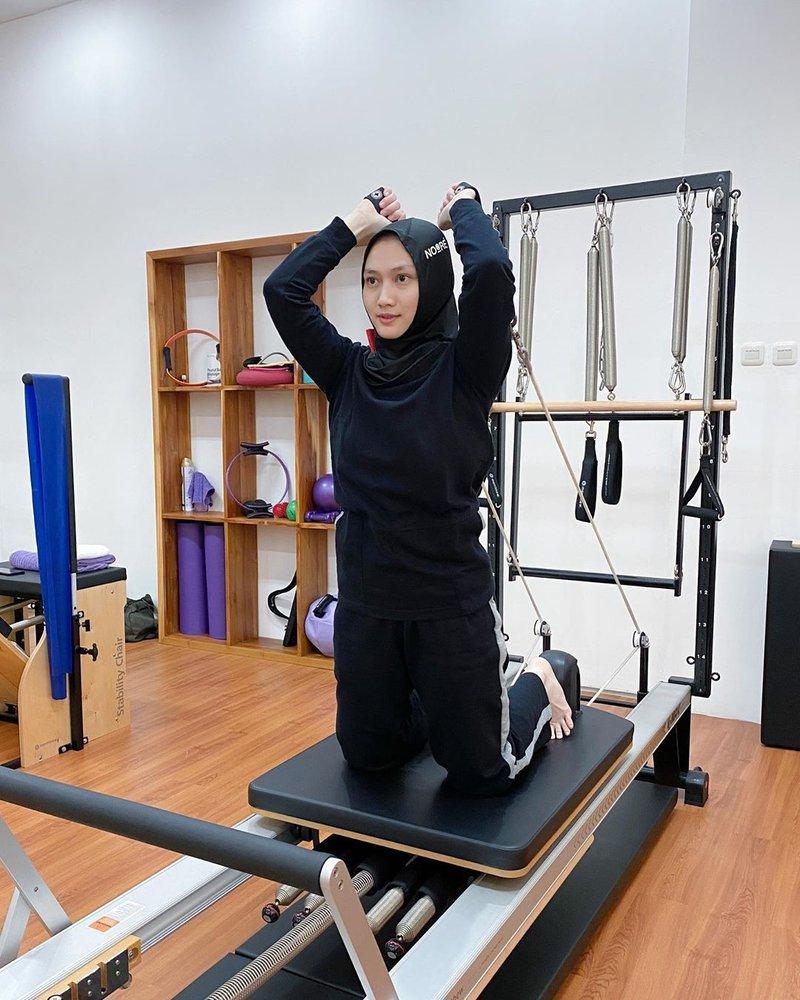 artis yang hobi pilates
