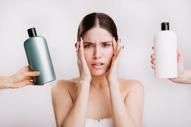Cara mengatasi rambut berminyak dan rontok