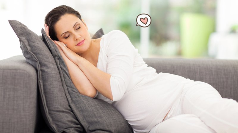 5 Posisi Tidur Ibu Hamil untuk Mencegah Pusing Saat Hamil. Catat!