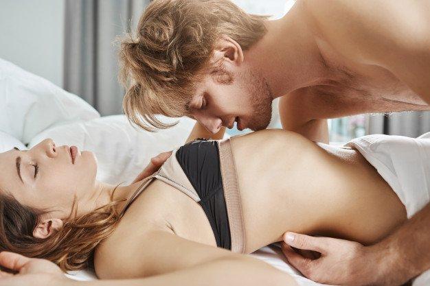 payudara dan puting adalah area sensitif untuk disentuh