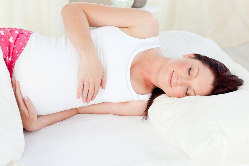 pregnant-woman-sleeping-on-side.jpg