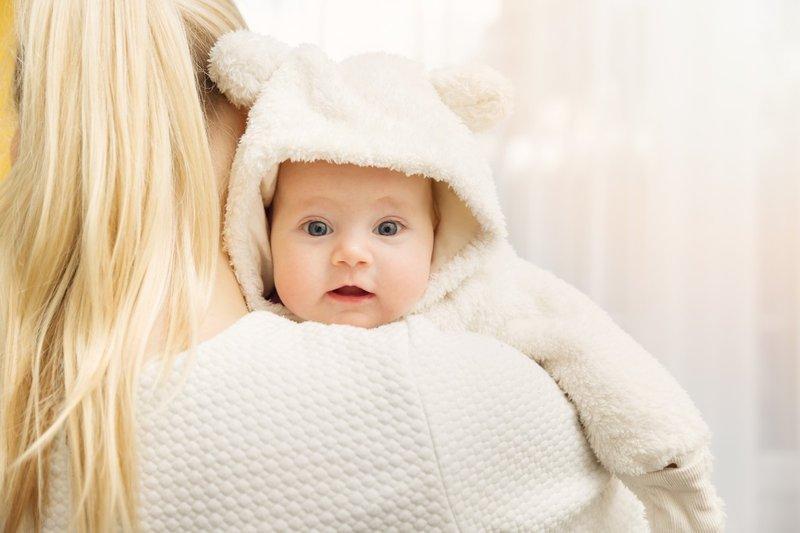 pakaian bayi di musim hujan