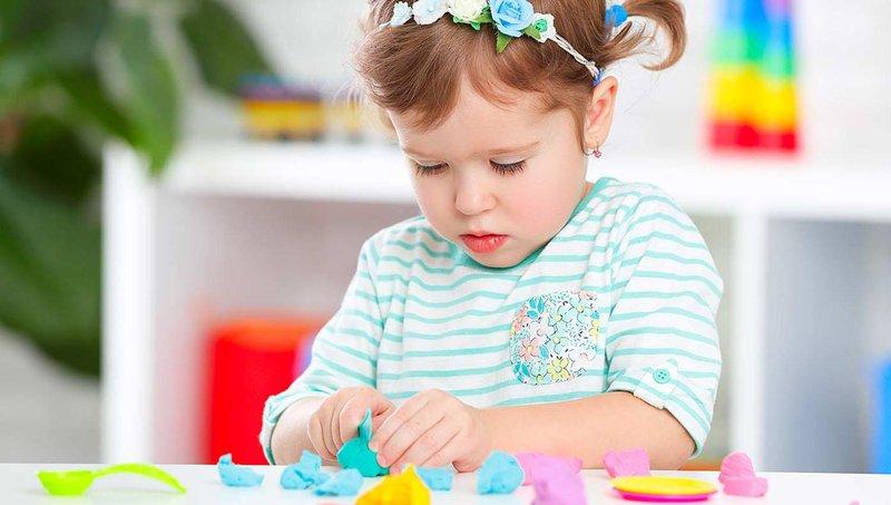punya sedikit mainan ternyata lebih baik untuk perkembangan balita, apa alasannya 4