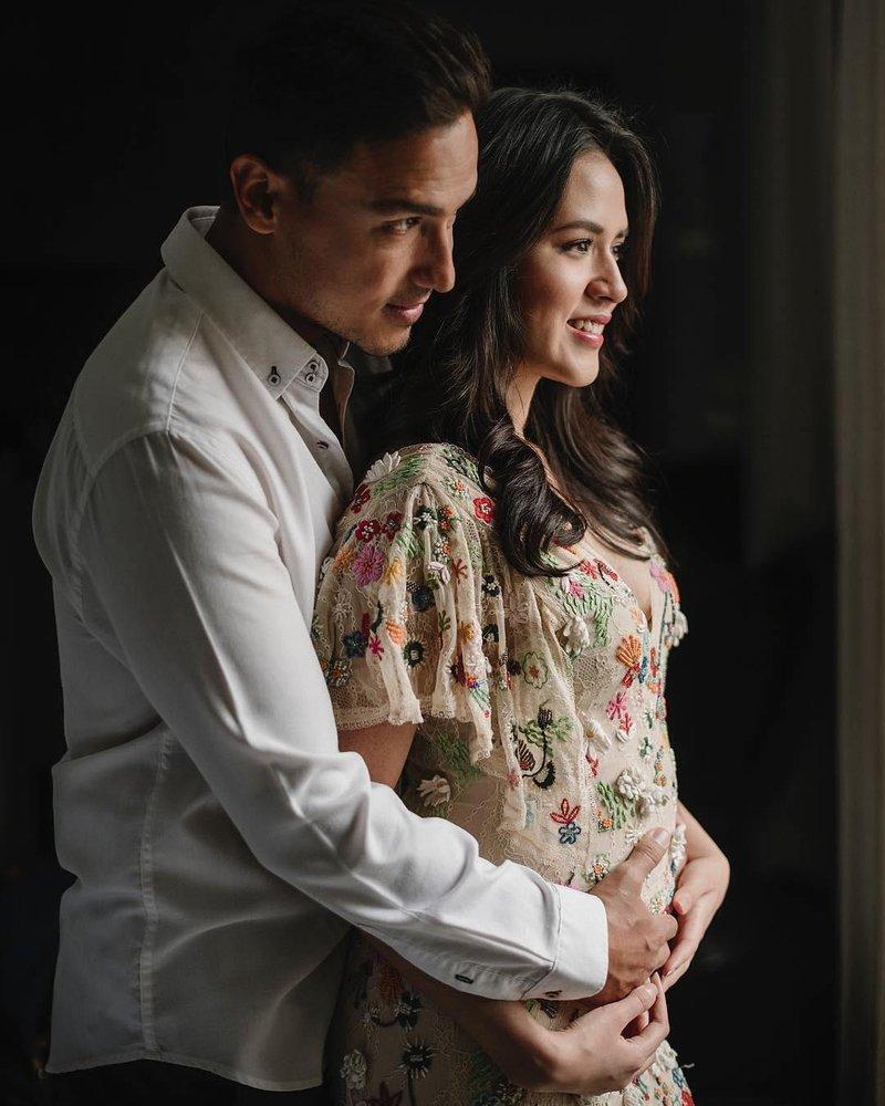raisa hamil 1