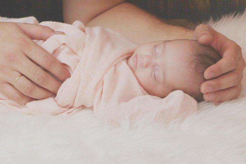 rambut bayi baru lahir rontok