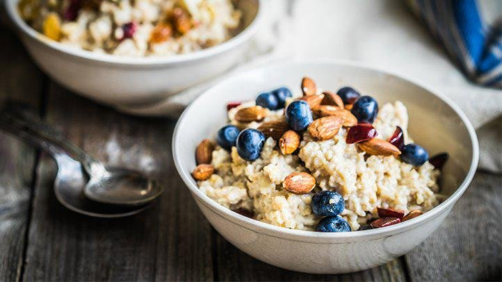 reasons why you should eat oatmeal every day 722x406