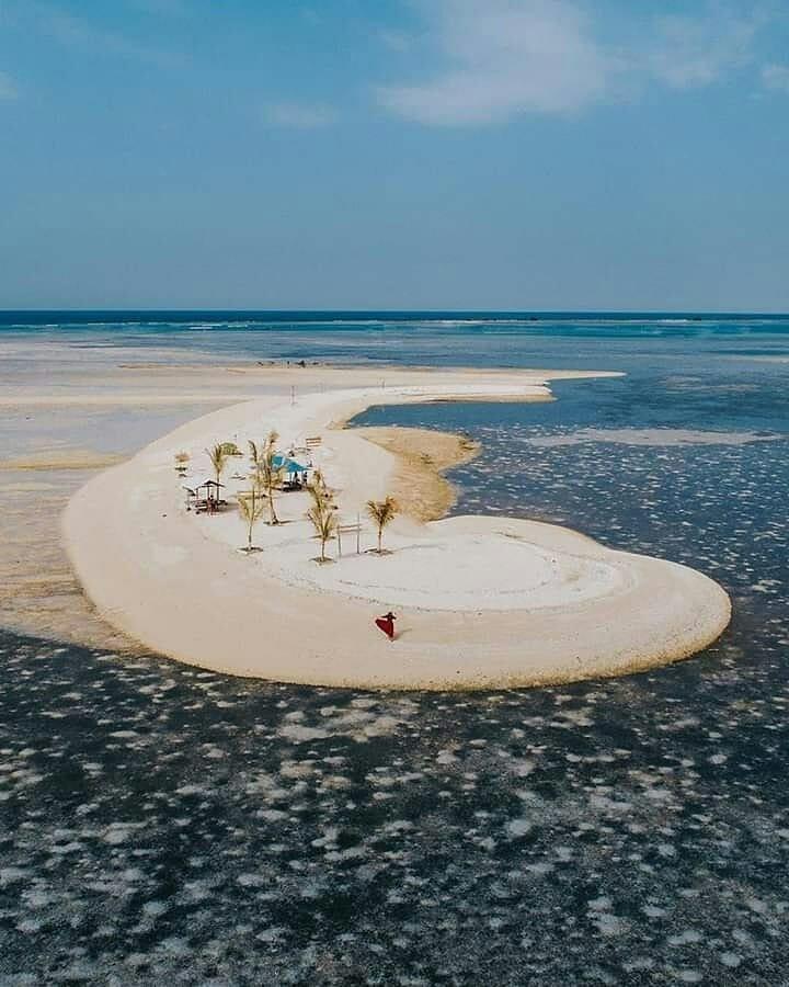 rekomendasi pantai di Bali-pantai gili putih.jpg