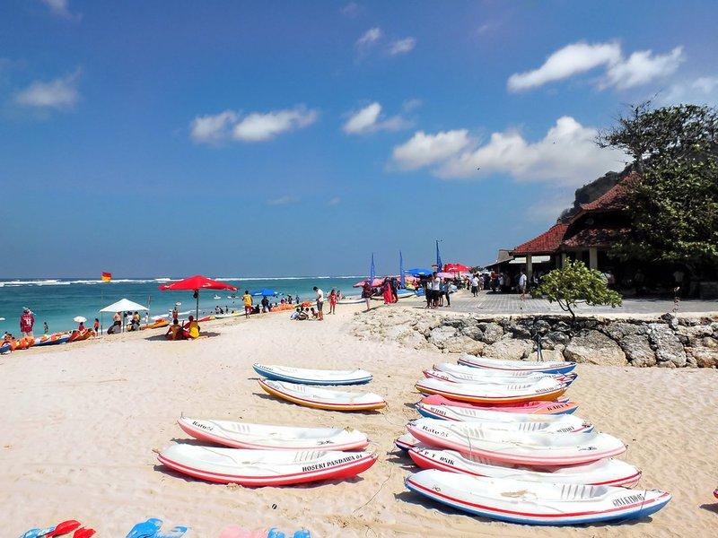 rekomendasi pantai di Bali-pantai pandawa.jpg