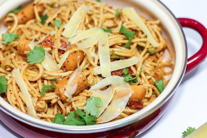 resep spaghetti aglio olio sosis.jpg