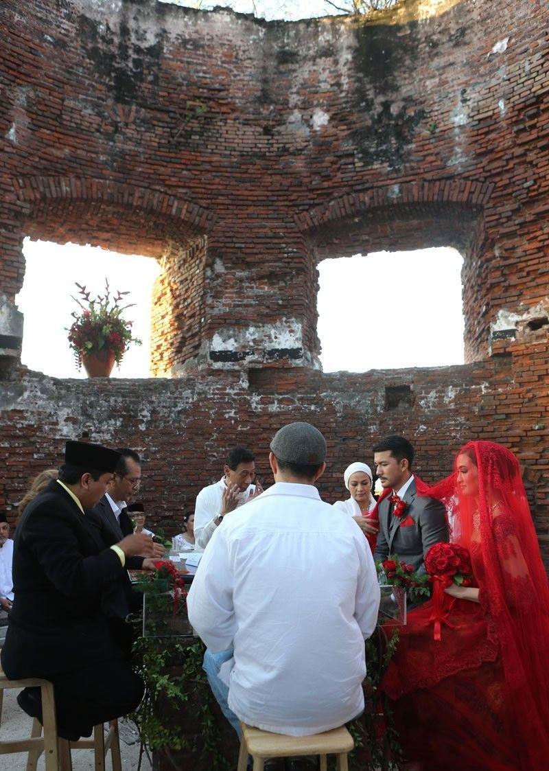 rio atiqah menikah